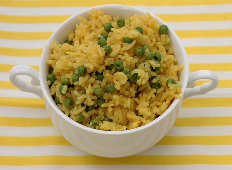 אורז צהוב עם אפונה