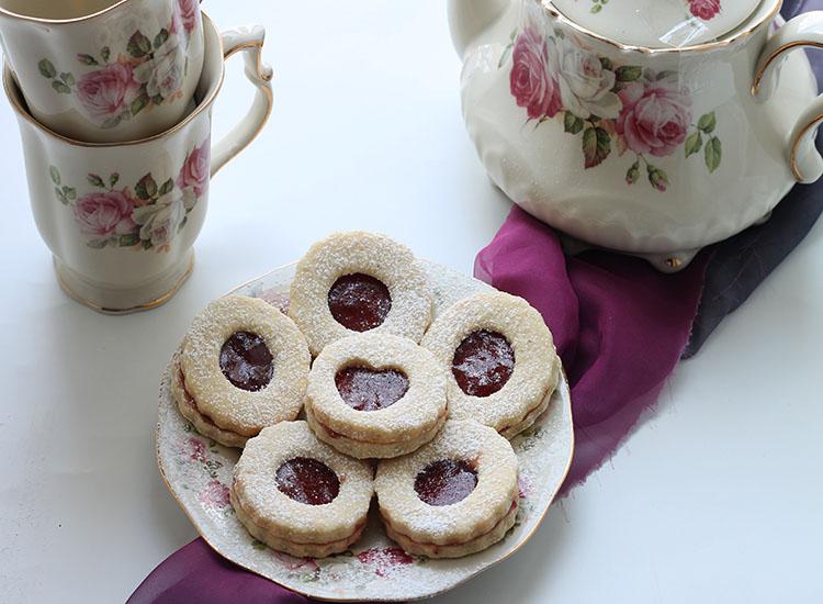 עוגיות סנדויץ במילוי ריבה