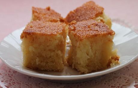 עוגת סולת בחושה